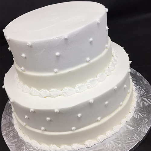 Buttercream Wedding Cakes And Desserts: Traditional Vanilla Buttercream Wedding Cake